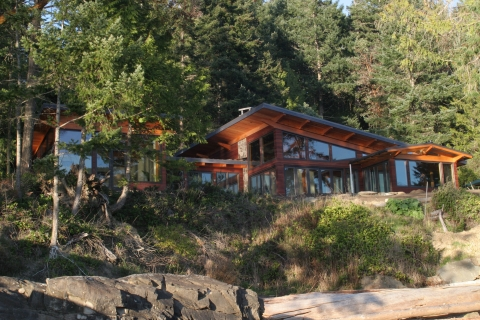 Exterior Luxury West Coast Home built by Gulf Islands Artisan Homes Dave Dandeneau