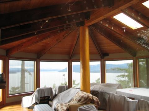 Interior Design reclaimed wood in West Coast building on Pender Island built by Dave Dandeneau of Gulf Islands Artisan Homes